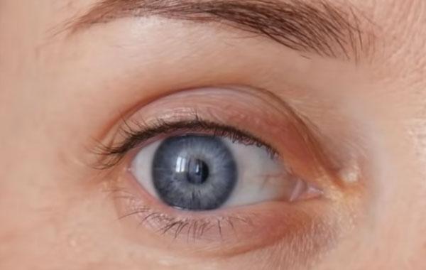 Камфорное масло против морщин вокруг глаз